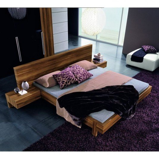 Platform bed-pink bedding