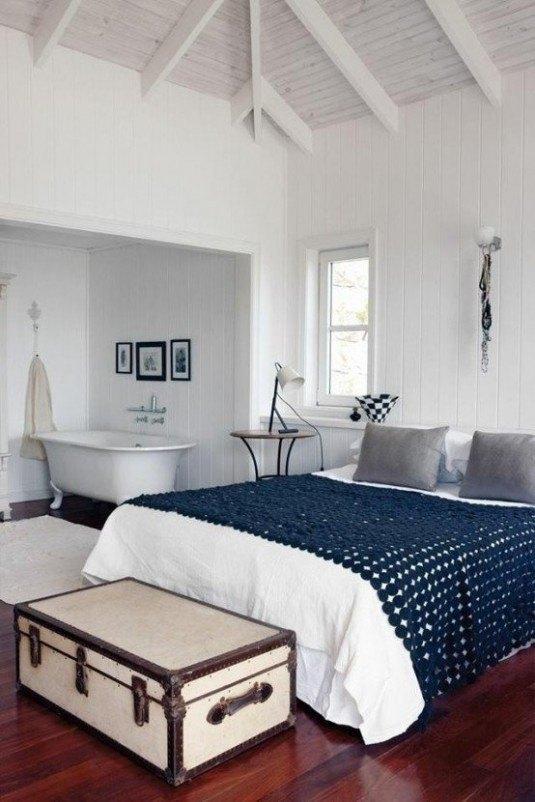 bathroom-blue sheets
