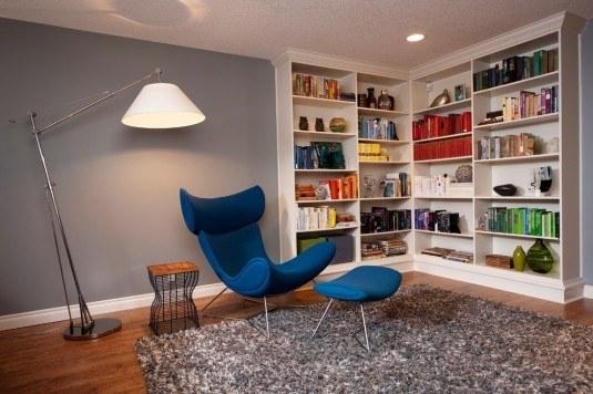 bookshelf-corner