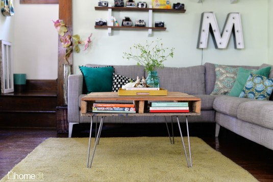 hairpin leg pallet table DIY
