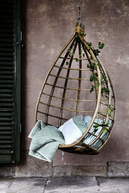 hanging chair-wooden