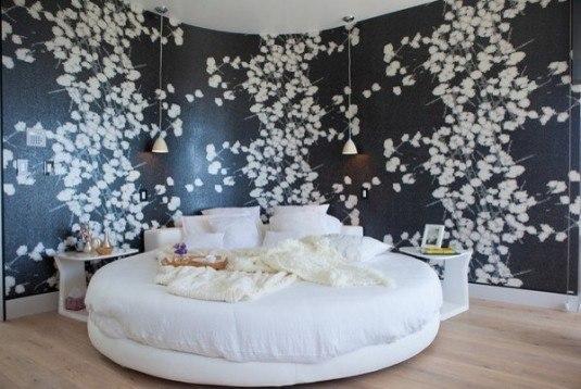 round bed-white
