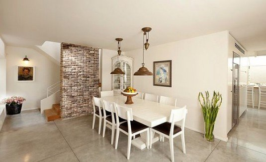 wall stone-accent
