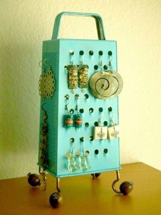 cheese grater-diy earing holder