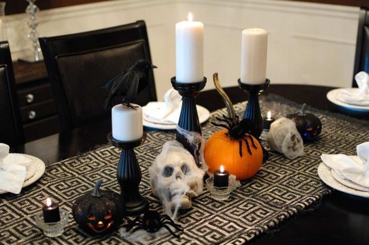 Halloween-dining-room-table