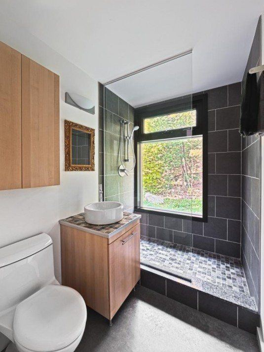 Kariouk-Cottage-Bathroom-10