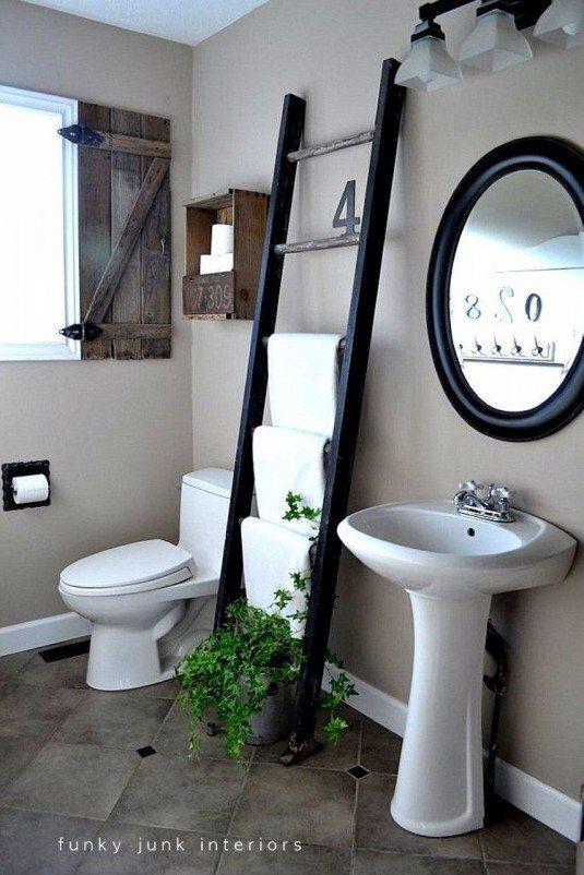 recycled-ladder-towel-holder