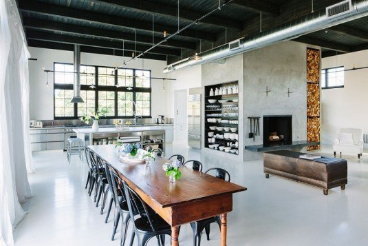 chic-industrial-interior-design-contemporary-penthouse-design-2