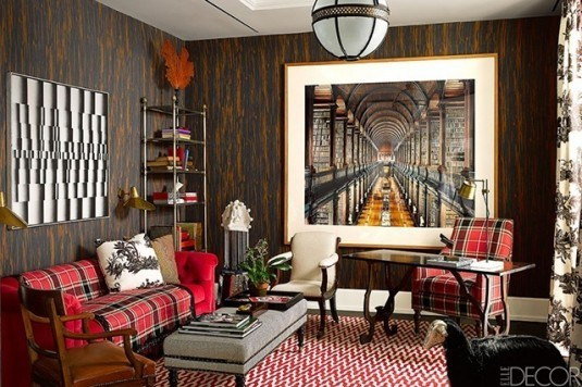 living room-plaid sofa