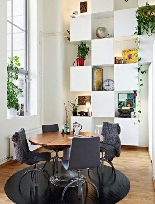 minimalist-dining-room-of-unusual-apartment-interior-design-ideas-with-stunning-wall-shelves-in-gothenburg-foto-wallpaper-01-501x657
