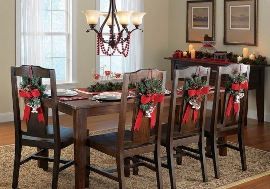 CHRISTMAS-CHAIRS-DECORATIONS