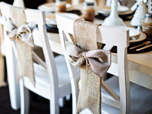 CI-Jessica-Downey-Photography_Christmas-dining-room-rustic-chair_s4x3_lg