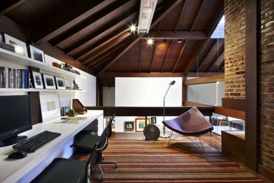 home-decor-design-office-home-in-the-attic-space-complete-with-a-set-of-computer-equipment-great-home-office-decoration-winning-home-office-in-closet-ideas-traditional-style-attic-space-939x626