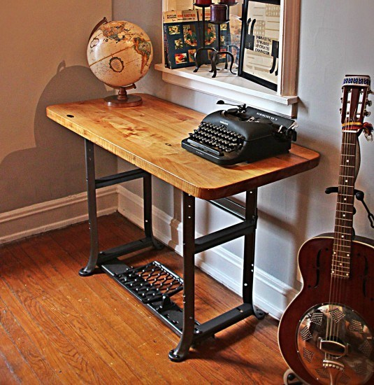 Sewing-Machine-Table2__1431385736_73.36.171.171