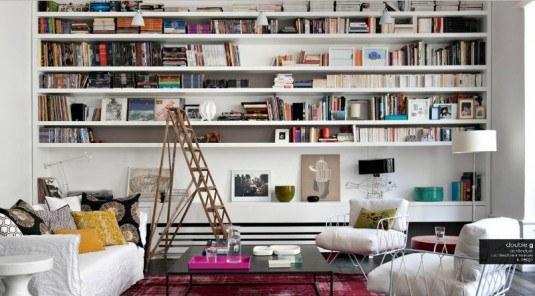 blog-apartment-paris-contemporary-colourful-living-shelves