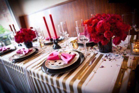 romanticheskoe-ukrashenie-stola-v-den-svyatogo-valentina-pictures