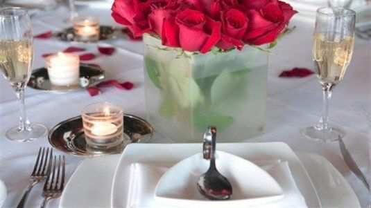 tips-for-a-romantic-valentines-dinner_hero