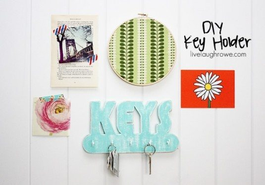 Fabulous-DIY-Key-Holder-with-livelau