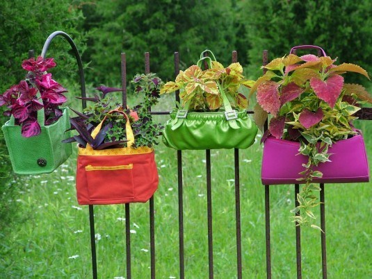 Original-Nancy-Ondra_unique-container-garden-purses_s4x3.jpg.rend.hgtvcom.966.725