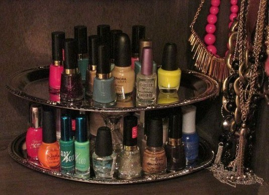 organizing-nail-polish-with-repurposed-dollar-store-trays-crafts-organizing-repurposing-upcycling