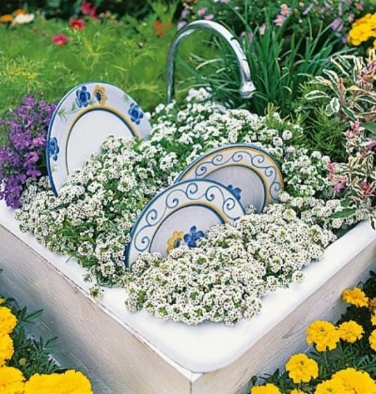 wonderful-repurposing-ideas-for-your-garden-700x734