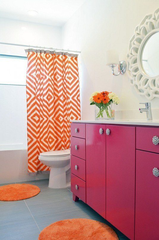 Snazzy-modern-bathroom-with-a-pink-and-orange-color-scheme