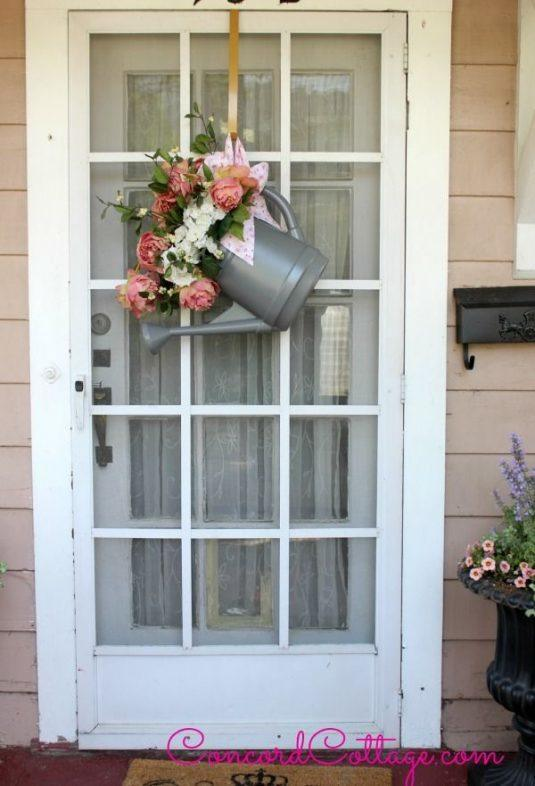 repurposed-watering-can-to-door-hanger-crafts-how-to-repurposing-upcycling