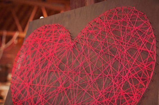 DIY-heart-yarn-art