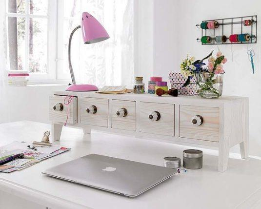 diy-home-office-organization-ideas-desk-mini-drawers-table-lamp
