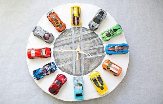 2-diy-clay-car-clock