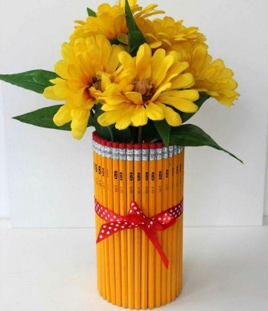 diy-ideas-cardmaking-ideas-flower-vase-pencils-lanyard