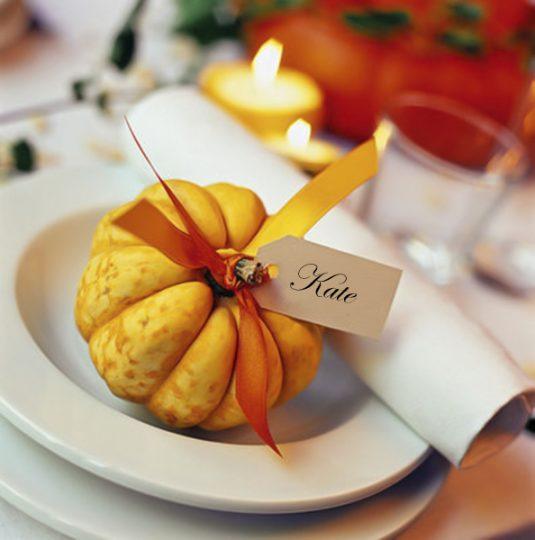 diy-fall-decorating-ideas-table-ornamental-pumpkin-place-card