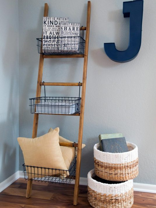 bp_hfxup106h_jonklaas_bonus-room_detail_ladder-and-baskets_120387_318962-906763-jpg-rend-hgtvcom-1280-1707