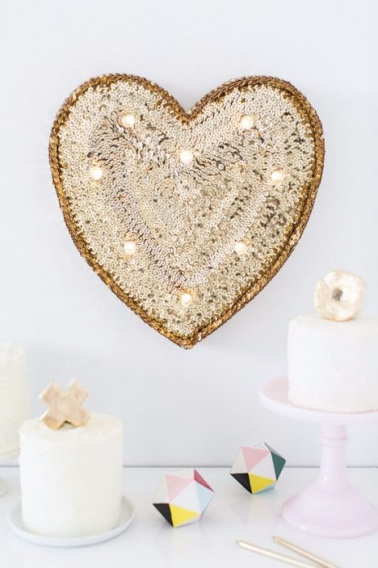 diy-sequin-marquee-heart