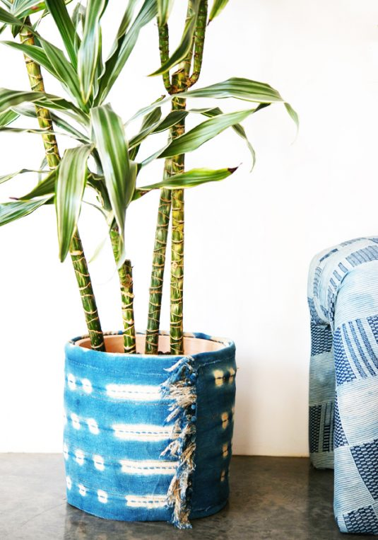 jungalow-indigo-fabric-diy-planter-wrap-1