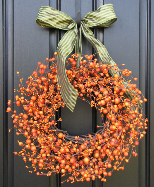 eclectic-holiday-outdoor-decorations