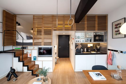 wood-paneling-apartment