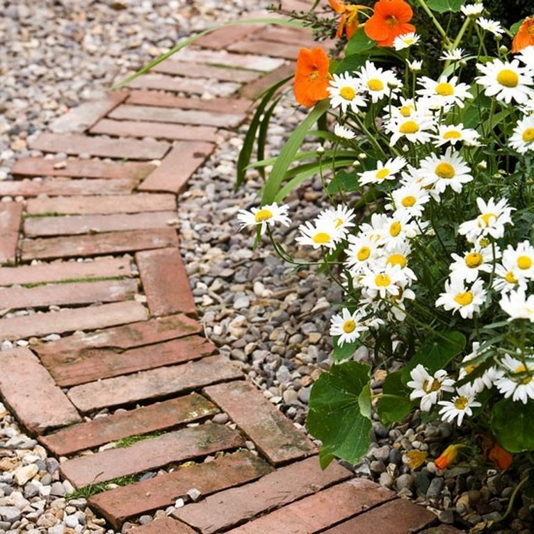 20 Brilliant Raised Garden Bed Ideas You Can Make In A: Recycle Old Bricks Into Brilliant DIY Garden Decor Without