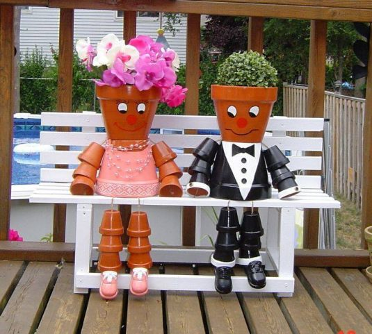 Cheap Ways To Do Your Garden: Cheap DIY Clay Pot People To Cheer Up Your Garden
