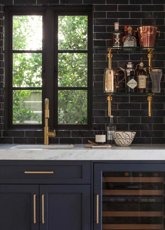 kitchen tile ideas for creating the best looking backsplash. Black Bedroom Furniture Sets. Home Design Ideas