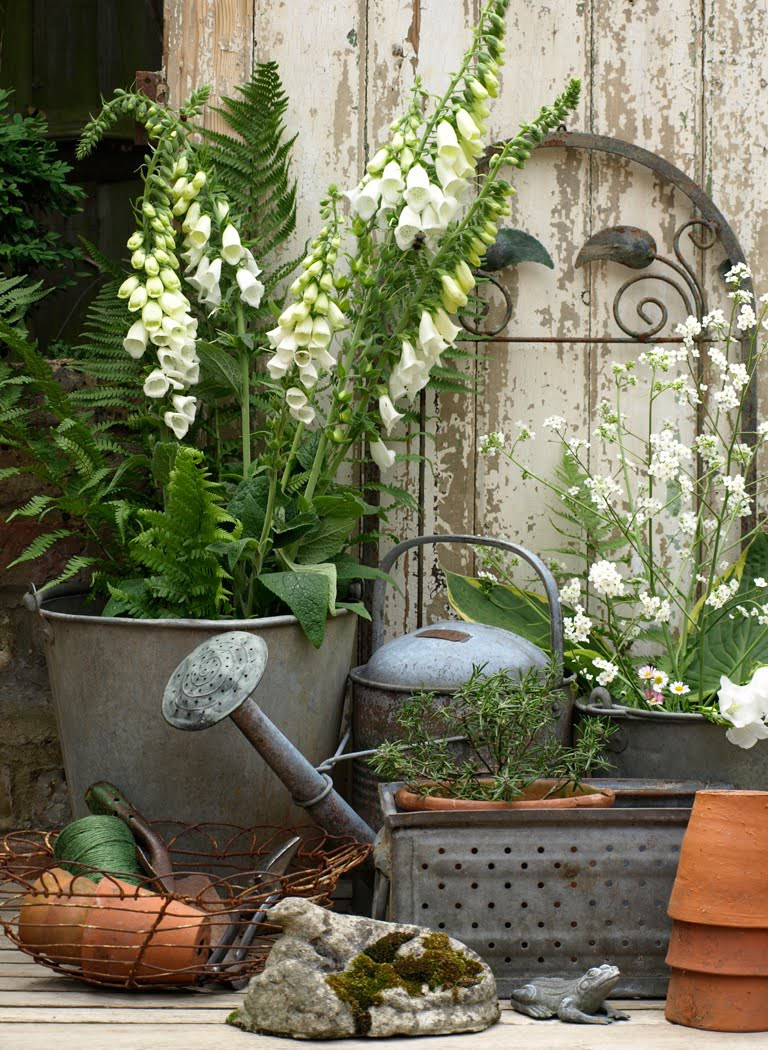 Home Design Ideas Decorating Gardening: Vintage Garden Decor That You Can Easily Make By Yourself