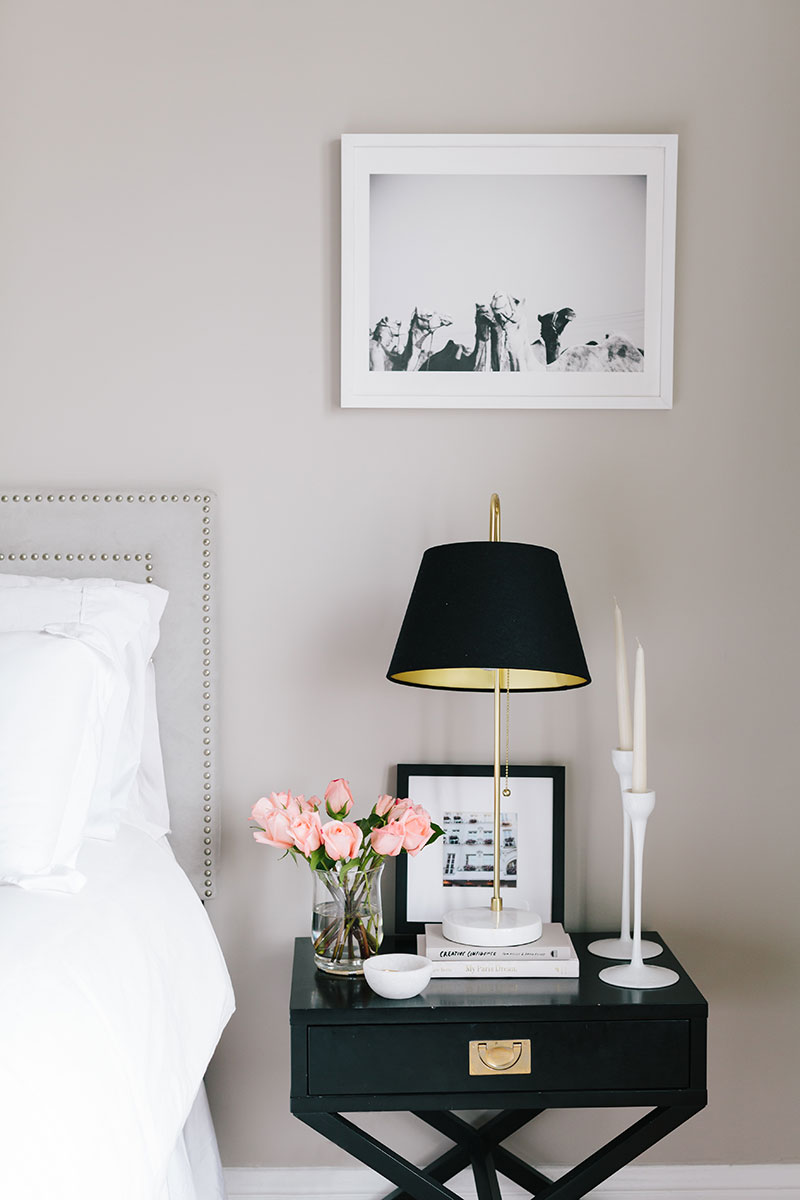7 Bedside Table Essentials That You Should Have