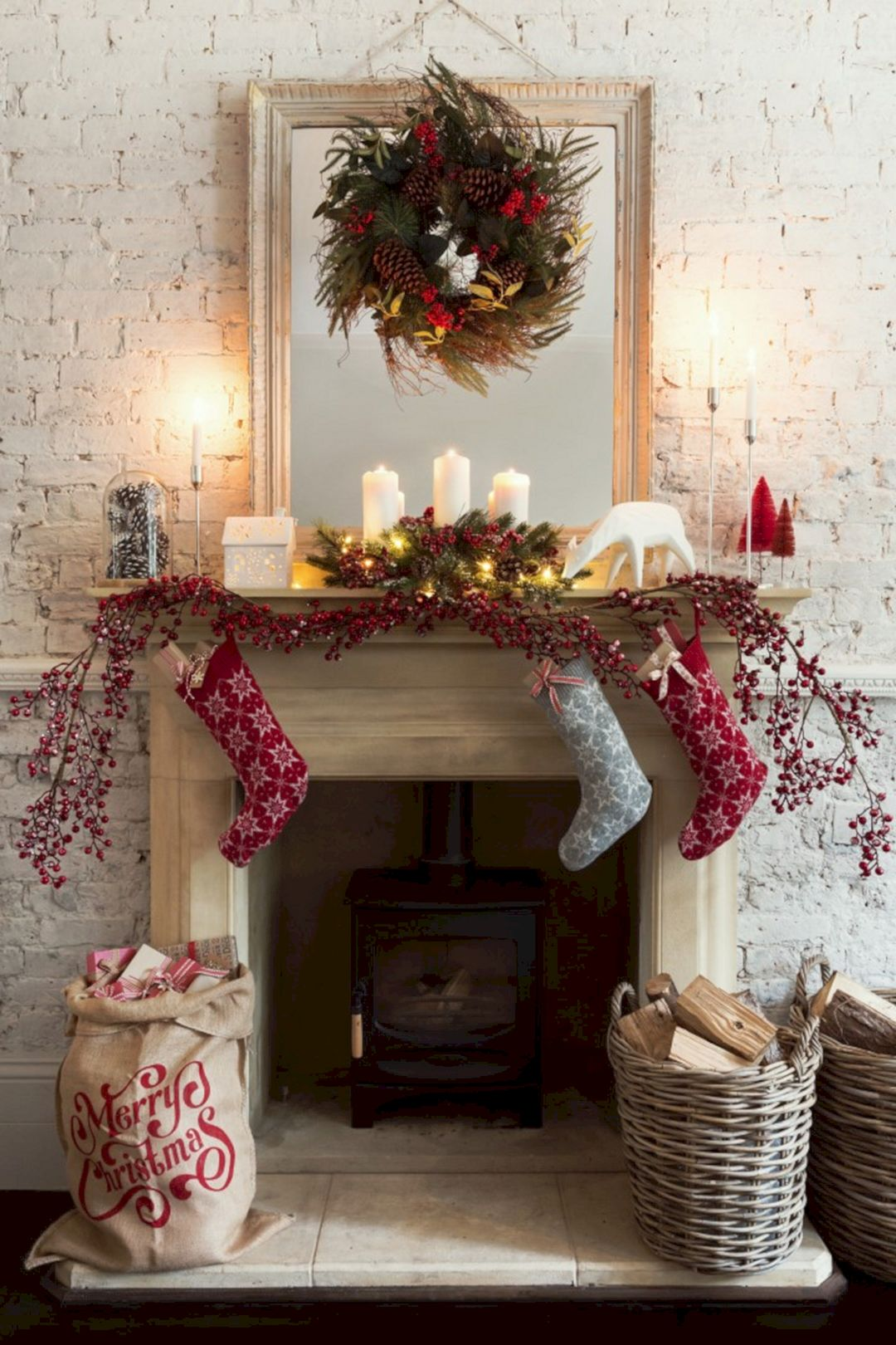 Living room christmas decor ideas and tips for bringing - Christmas decorations for the living room ...