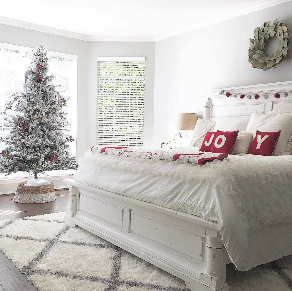 . Christmas Bedroom Ideas And Tips To Make It Look Cozy