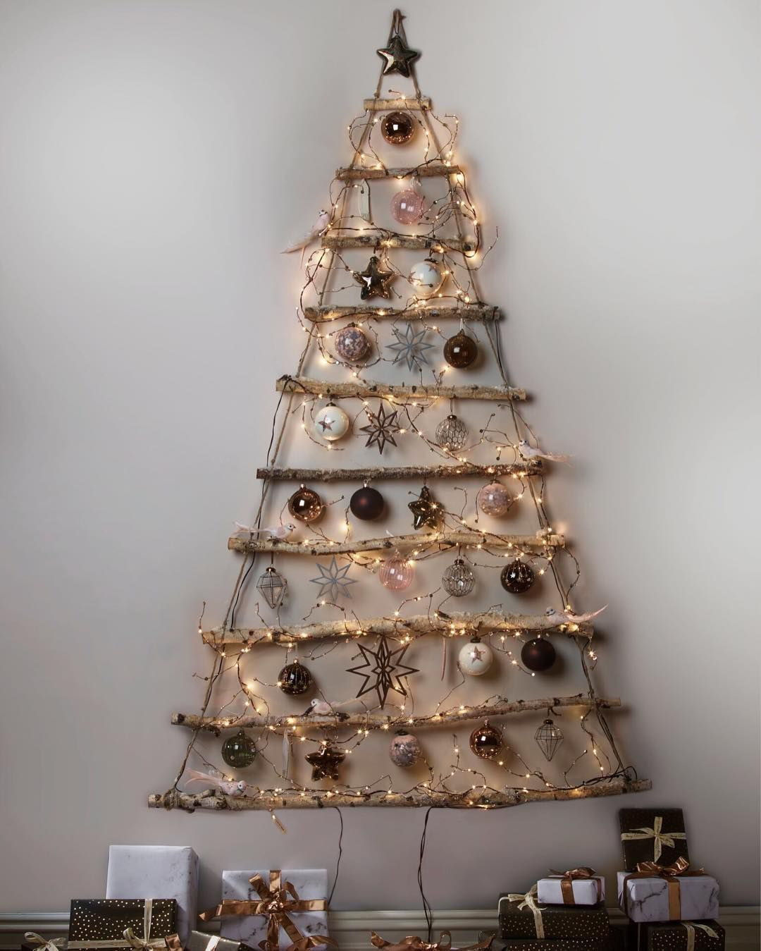 Magnificent Wall Christmas Tree Ideas That Are Perfect For