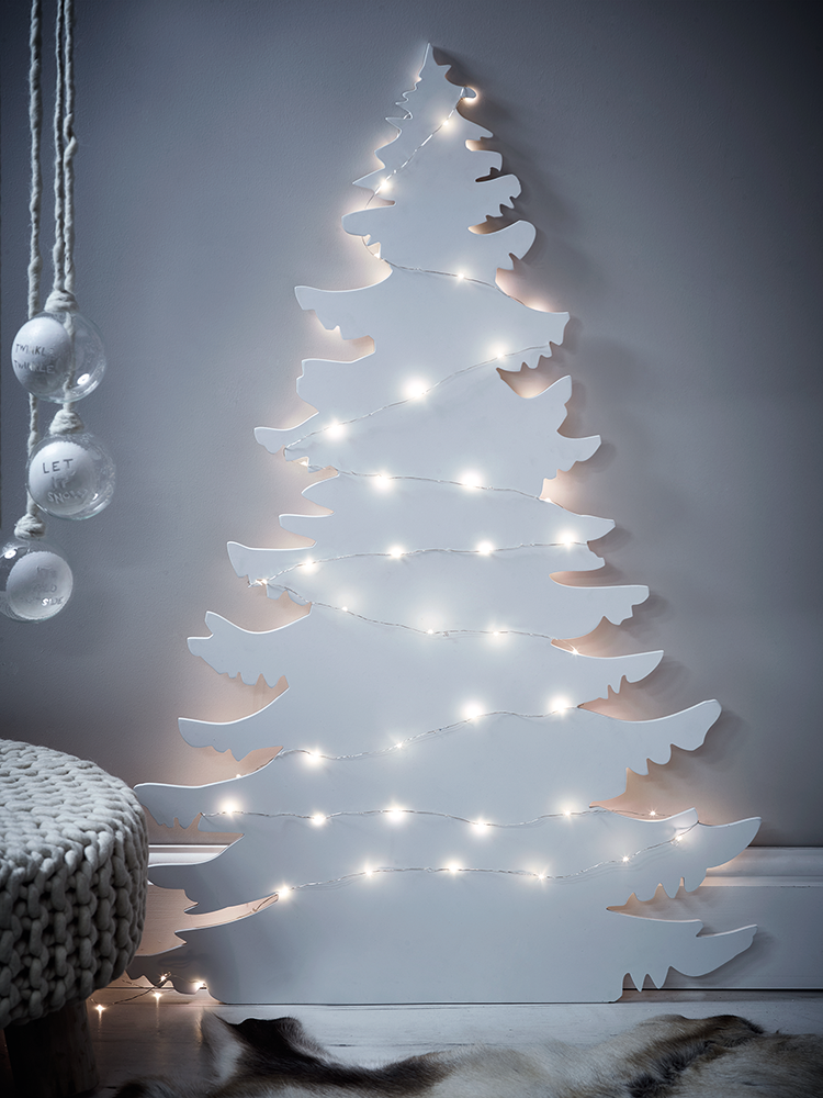 magnificent wall christmas tree ideas that are perfect for small homes