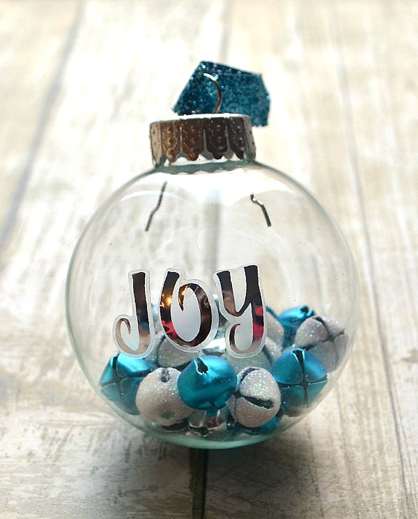 Small Home Decorating: Easy Clear Ornaments Ideas That Don't Cost Much