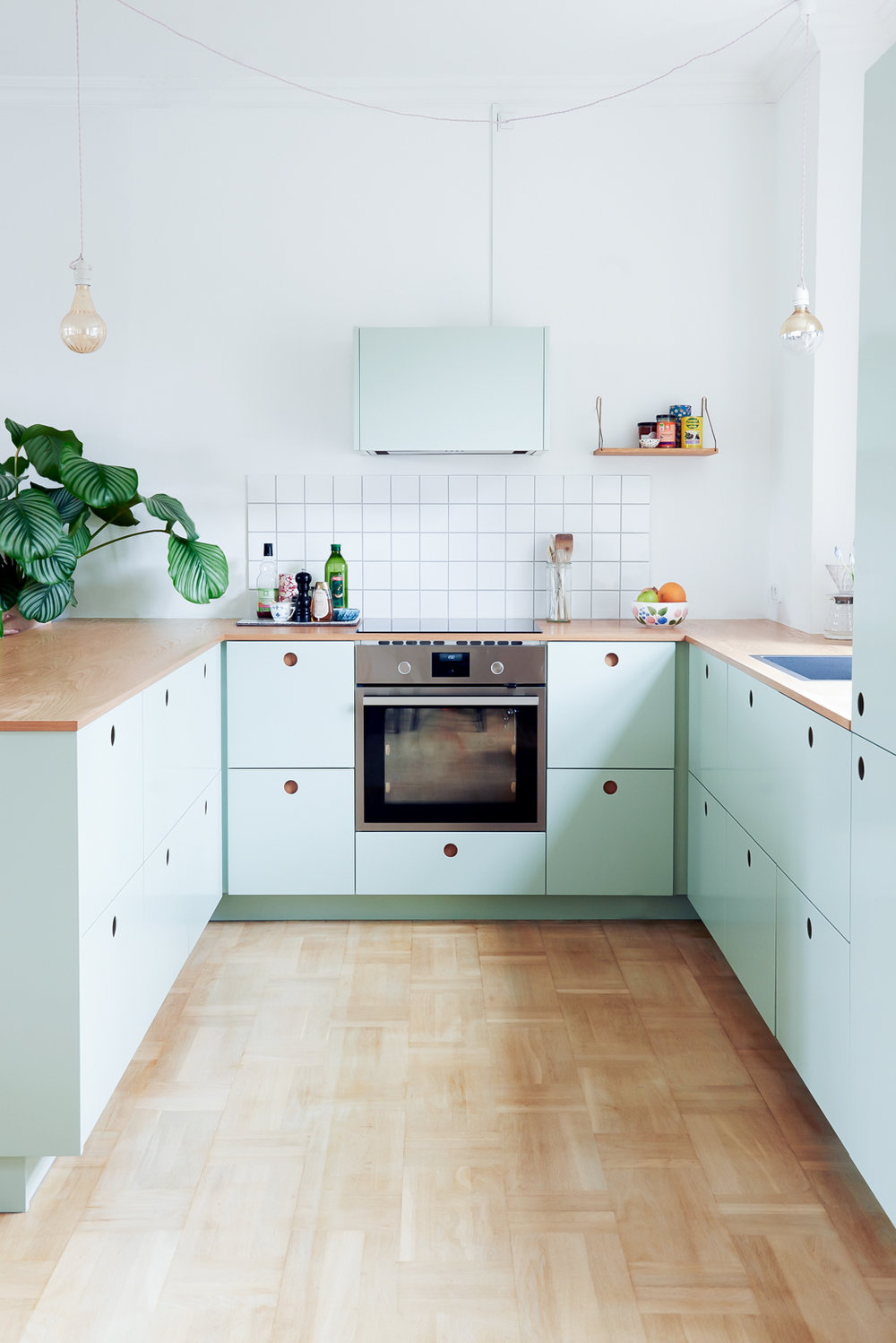 The Pros And Cons Of Having No Upper Cabinets In The Kitchen
