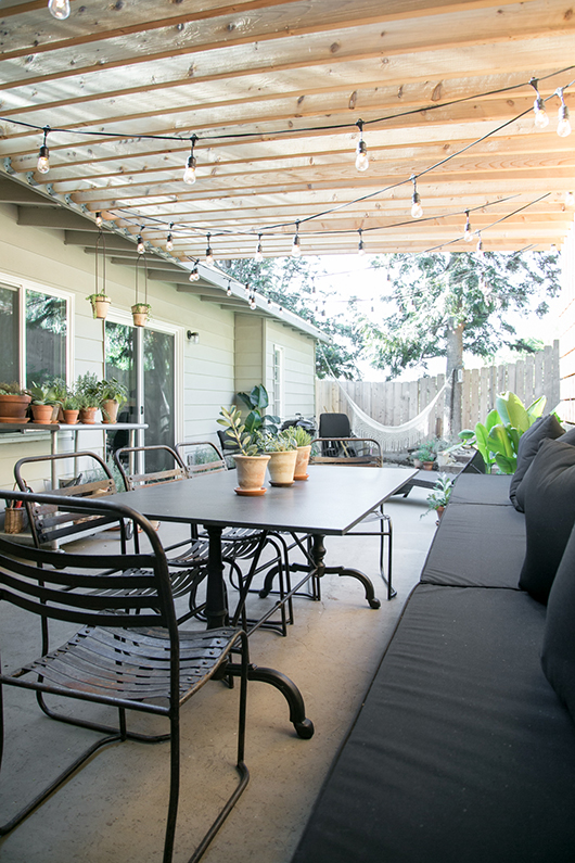 Grassless Backyard Ideas That Are Perfect For Busy People