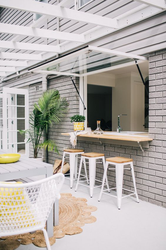 Super Cool Outdoor Bar Ideas That You